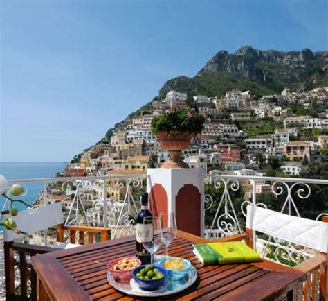 21 Hotel Balconies Features The Most Amazing Views In The