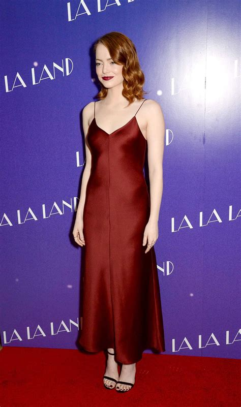 how old is actress emma stone emma stone at the la la land screening in london 01 12