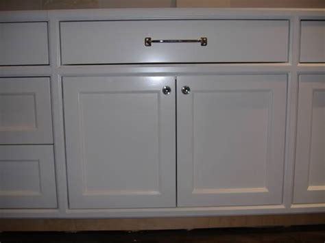 knob placement on kitchen cabinets kitchen drawer cabinet hardware placement kitchen
