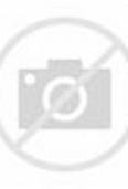 Citra Kirana mengenakan hijab kuning terang