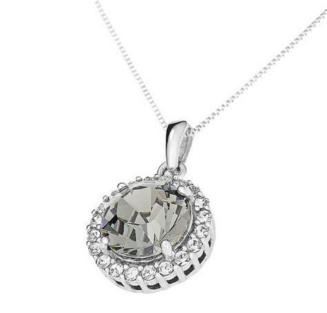 kalung indah idaman perempuan merk terbaik terkenal dan
