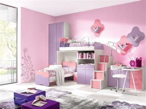 Attrayant Idees Deco Chambre Fille #9: 2idee-deco-chambre-fille-peinture-chambre-enfant-en-rose-et-violet-lits-superpos%C3%A9s-aemoire-bureau-espace-de-rangement-id%C3%A9e-mignonne.jpg