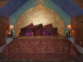 anniversary inn logan utah eclectic bedroom