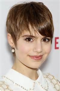 Chic short pixie cut with bangs for young ladies pinterest