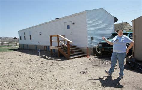 2 bedroom fema trailer family living cred in fema trailer after fire destroyed
