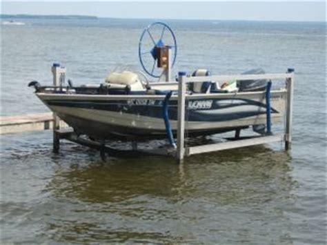 lowe boats vs crestliner 2001 crestliner 17 3 center console boat html autos post