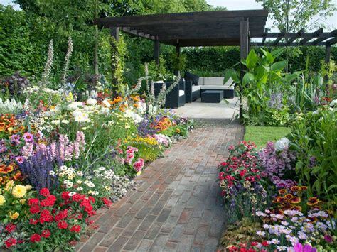 backyard landscape designs photos hgtv