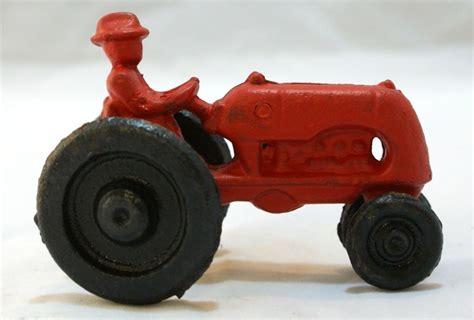 cast iron farm cast iron red farm tractor toy international harvester ih