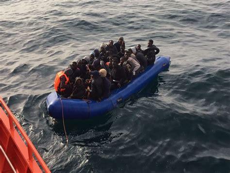 cadena ser motril sin noticias de la patera con 30 inmigrantes a bordo