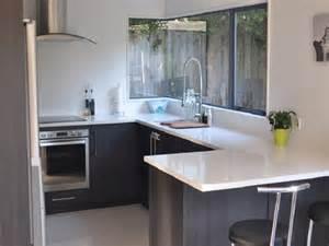 Kitchen designs with breakfast bar 2016 l shaped kitchen layouts