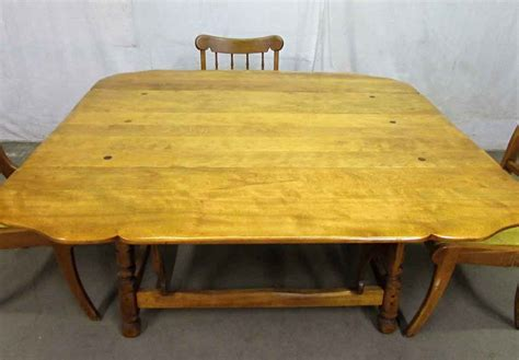 antique maple dining table large rock maple dining table with chairs olde things