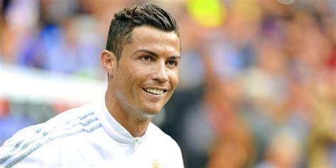 Sepatu Bola Pemain Dunia 10 gaya rambut keren pesepakbola dunia merdeka