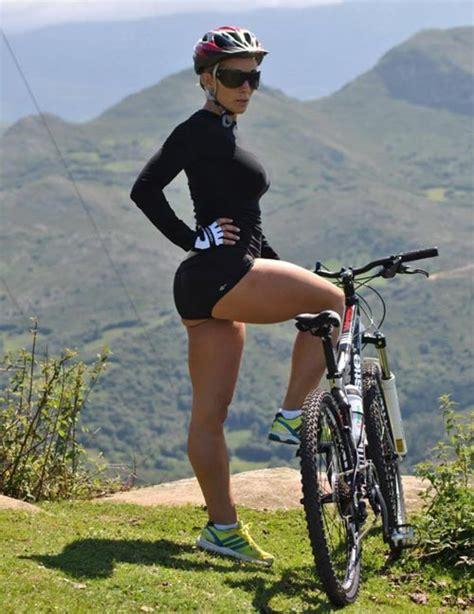 hot female mountain bikers hot mountain bikes girls on rigs