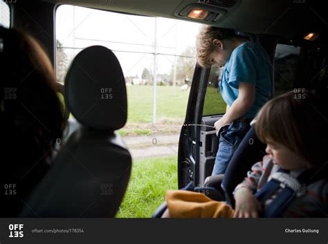 little boy show pee pee pee standing boy tallgibb blogspot boy style boy peeing out of a car stock photo offset