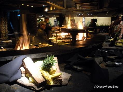 pit restaurant dinner at ohana the disney food