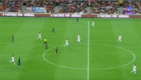 gif: andres iniesta's ridiculously brilliant turn v real