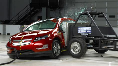 car crash safety ratings nissan leaf and chevrolet volt got highest safety ratings