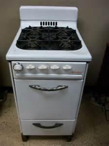 1950 s classic vintage welbilt apartment sized gas stove