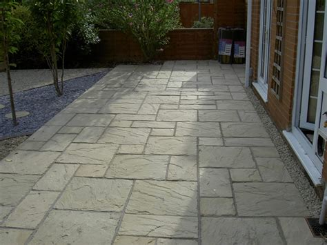paving backyard bradstone carpet stones google search garden ideas
