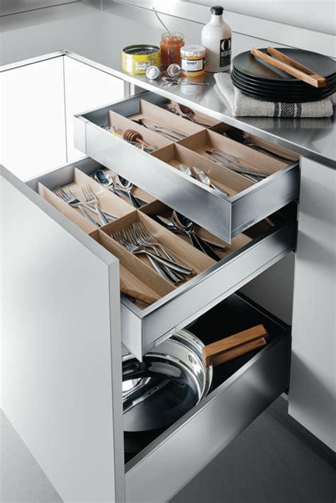 cassetti scorrevoli per cucine come organizzare lo spazio in cucina prodotti arclinea