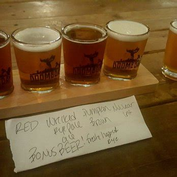 table pizza washougal doomsday brewing company 29 photos 44 reviews