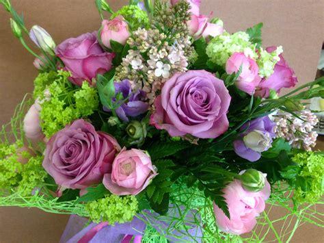 fiori primaverili festa della donna 3 idee regalo per stupire con i fiori