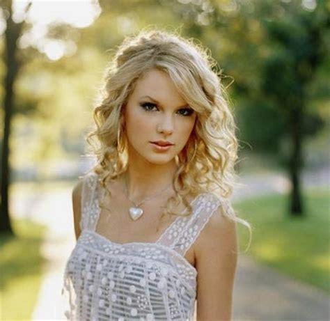 Taylor Swift Has Written Five Songs About Harry Styles   Celeb Teen Laundry