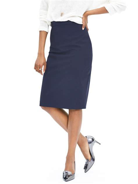 banana republic navy lightweight wool pencil skirt in blue