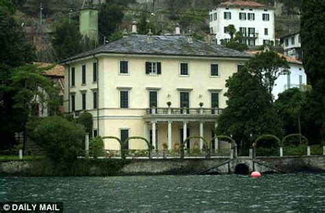 george clooney home in italy bidding war as george clooney puts lake como villa up for