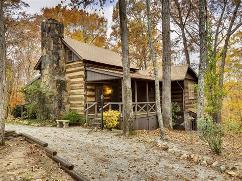 a hewn log cabin originally built in 1795 in columbus