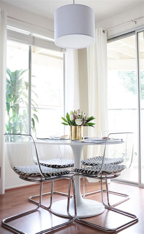 Clear Acrylic Dining Table And Chairs Best 25 Acrylic Chair Ideas On Lucite Chairs Clear Chairs And Ghost Chairs