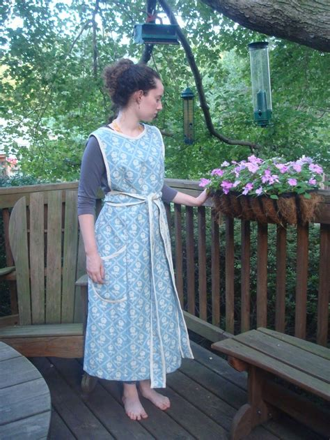 sewing pattern for victorian apron 17 best images about apron edwardian on pinterest maid