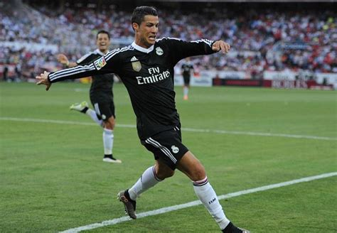 ronaldo juventus player put away the chagne juve ronaldo back to his best with sparkling sevilla show goal