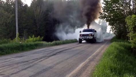 built  lb duramax destroys  set  tires black smoke media