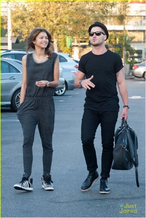 zendaya and val 2015 val chmerkovskiy talks about his feelings for zendaya