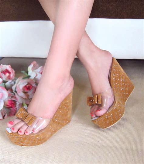 Sepatu Wanita Wedges Eh13 Krem Coklat buy koleksi sepatu wedges cantik dan elegan sepatu sandal