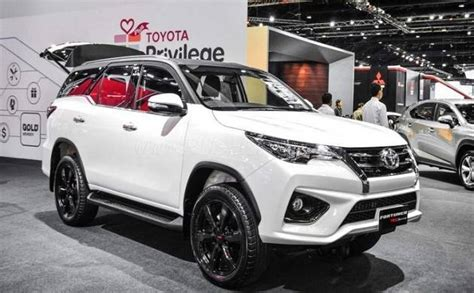 Ring Fogl Fortuner Model Trd toyota launches fortuner trd sportivo all about price and features of model www