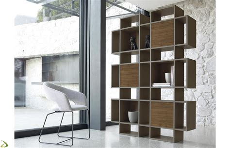 mobili librerie design mobile libreria con ante in legno plaza arredo design