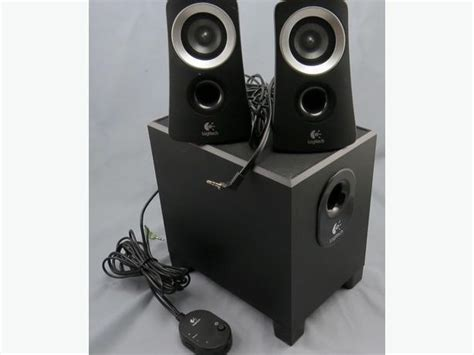 Logitech Z313 2 1 Speaker System logitech 2 1 computer speaker system z313 saanich