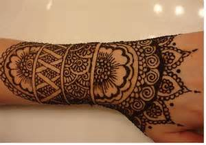 Henna hand tattoo designs love anime images drawings love couple