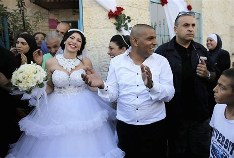 tv show of jewish woman who marries a black muslim jewish wedding israel protests business insider