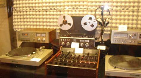 libro radio libera albemuth le 8 radio libere anni 70 un libro e un incontro a bergamo bergamo news