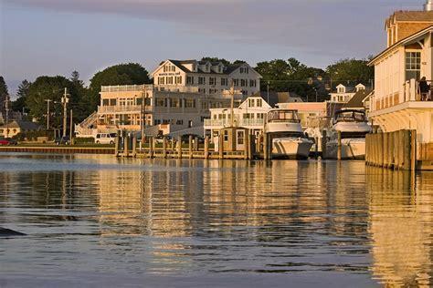 To Rhode Island by Weekend Wedding Spotlight Hill Rhode Island The