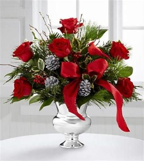 Floral Centerpieces Christmas - 20 chic christmas flower arrangements shelterness