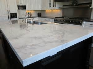 several great pairings for white kitchens with granite