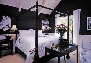 primed4design design tip fo the week dark wall color paint lonely wife project