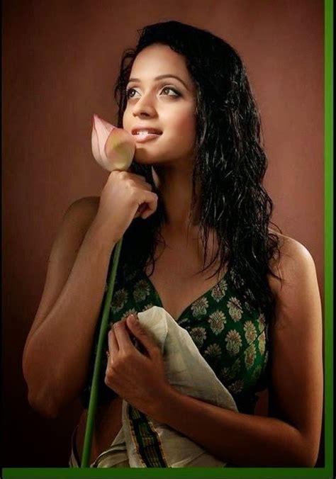 malayalam film actress hot photo gallery bhavana malayalam movie actress hot gallery honey media