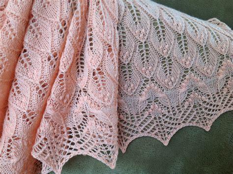 leaf pattern shawl knitting wavy leaves knitted lace shawl free knitting pattern
