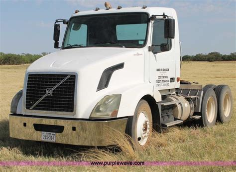 2006 volvo semi truck 2006 volvo vnl semi truck no reserve auction on tuesday