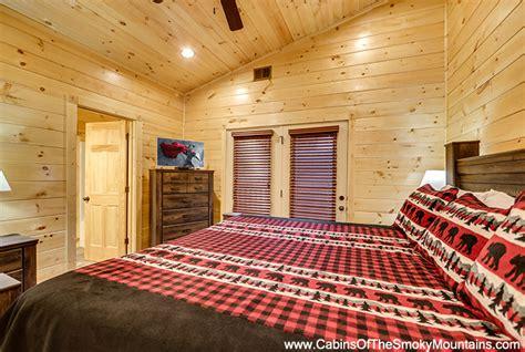 10 bedroom cabins in gatlinburg gatlinburg cabin mount leconte mansion 10 bedroom